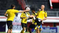 Kiko Insa tidak akan memperkuat Arema FC pada kompetisi musim depan. (Bola.com/Iwan Setiawan)