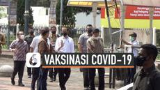 Sekitar 20 ribu pelaku usaha di Malioboro Yogyakarta mendapat kesempatan untuk terima vaksin Covid-19. Hari Senin (1/3) Presiden Jokowi ikut memantau langsung proses vaksinasi.