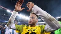 Neymar mencetak satu gol saat Paris Saint-Germain menang 2-1 atas Liverpool, pada laga kelima Grup C Liga Champions, di Parc des Princes, Rabu (28/11/2018) malam waktu setempat. (AFP/Franck Fife)