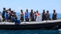 Upaya penyelundupan benih lobster (BL) ilegal di perairan Pasir Toga (Selat Sulit antara Pulau Combol dan Pulau Sugi), Batam, Kepulauan Riau (Kepri), Rabu (20/3). (Istimewa) Kepala Biro Hubungan Masyarakat dan Kerja Sama Luar Negeri)