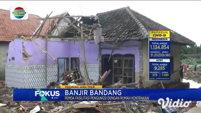 Inilah kondisi rumah yang rusak akibat banjir bandang yang menerjang Kepulungan, Gempol, Pasuruan, selain puing-puing banjir juga menyisakan lumpur tebal di rumah warga.