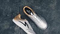 Pemain timnas futsal Indonesia menjajal sepatu futsal dengan desain futuristik (istimewa)