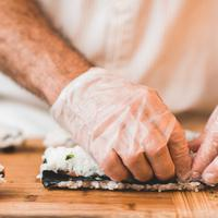 Tips menggulung sushi/copyright: unsplash/epicurrence