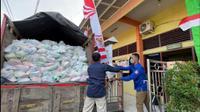 Petrokimia Gresik menyalurkan bantuan 11.812 paket imun (dok: Humas)