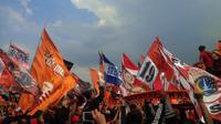 Demo The Jak Mania di depan Istana (Liputan6.com/ Oscar Ferri)