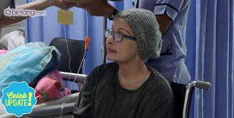 Yana Zein menggunakan program Badan Penyelenggara Jaminan Sosial (BPJS) kesehatan untuk meringankan biaya pengobatannya.
