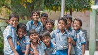 Ilustrasi anak sekolah, seragam sekolah. (Photo by Akshar Dave on Unsplash)