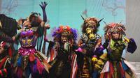 Teater Koma mementaskan dua adegan Goro-Goro: Mahabarata 2 saat jumpa pers Rabu (17/7). Teater Koma akan mementaskannya 25 Juli-4 Agustus 2019 di Graha Bhakti Budaya Taman Ismail Marzuki. (Foto: Santi Muhrianti)