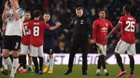 Manajer Manchester United, Ole Gunnar Solskjaer, berhasil membawa anak asuhnya menang 3-0 atas Derby County pada laga babak kelima Piala FA di Pride Park Stadium, Kamis (5/3/2020) malam waktu setempat. (AFP/Oli Scarff)