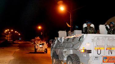 Citizen6, Lebanon: Indobatt menurunkan satu tim patroli dari Kompi Dragon berkekuatan 9 personel dengan dua kendaraan tempur jenis Anoa. Kegiatan patroli diawali dengan kordinasi singkat oleh Komandan Tim. (Pengirim: Badarudin Bakri)