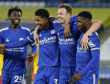 FOTO: Menang 3-0 atas West Brom, Leicester City Mantap di Tiga Besar - Jonny Evans; Tim Leicester City