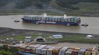 Kapal kargo milik China berlayar melintasi Terusan Panama (AP Photo/Dario Lopez-Mills, File)