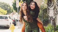 Prilly Latuconsina senang bisa digendong lagi oleh Amanda Cerny (Instagram/@prillylatuconsina96)
