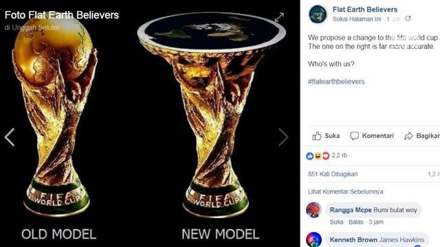 Tak terima bentuk trofi Piala Dunia, para penganut bumi datar meminta pada FIFA agar bentuk piala tersebut diganti.