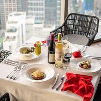 Dinner Valentine di SKYE Bar & Restaurant (Instagram @SKYE Bar & Restaurant)