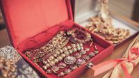 Perhiasan khas Thailand