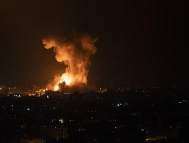 FOTO: Serangan Udara Israel Tewaskan 20 Orang Palestina