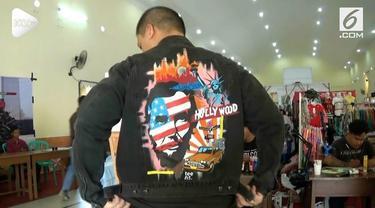 Terinspirasi dari jaket lukis Jokowi, seorang pemuda di Purworejo membuat pakaian serupa yang disukai pelanggan. Usahanya kini beromzet jutaan rupiah per bulan.