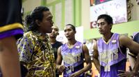 Koko Heru Setyo Nugroho sudah resmi ditunjuk sebagai pelatih CLS Knight Surabaya menggantikan Wahyu Widayat Jati. (dok. CLS Knights Surabaya)