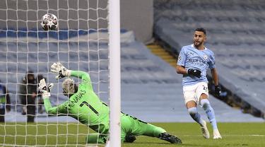 FOTO: Sejarah! Singkirkan PSG, Manchester City Kali Pertama Lolos ke Final Liga Champions - Riyad Mahrez