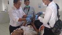 Rekaman CCTV Terminal Bobotsari, Purbalingga mengungkap fakta sebab meninggalnya gelandangan pada Senin (15/4/2019). (foto: Liputan6.com/galoeh widura)