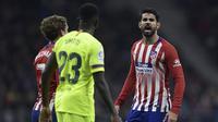 Diego Costa - Dia bukan cuma kasar, Costa memang merupakan pemain yang tempramental dan licik. Kadang acap memprovokasi pemain lawan. Ketika menghadapi Madrid pada 2013, Costa tertangkap kamera meludahi Sergio Ramos dua kali. (AFP/Oscar Del Pozo)