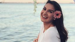 Perempuan blasteran Indonesia dan Belgia ini memang sangat cantik. Terlebih gaya berbusananya yang fashionable. Meski begitu, gaya berbusana Bella tidak pernah berlebihan. (Instagram/_irishbella_)