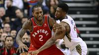 Aksi Kawhi Leonards saat Raptors menghadapi Pacers  (Frank Gunn/The Canadian Press via AP)