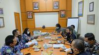 Bea Cukai menggelar diskusi dengan Diskopindag Kota Malang perihal pemberian fasilitas kepabeanan dengan tujuan untuk mendorong UMKM yang ada di Kota Malang dapat melakukan ekspor ke luar negeri.