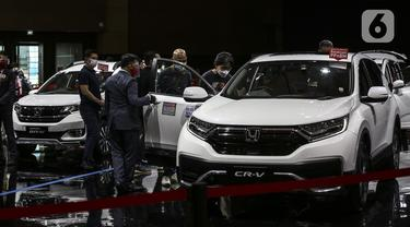 FOTO: Kendaraan Berteknologi Hybrid Dipamerkan di Kemayoran
