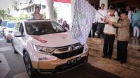 Mobil Honda CR-V digunakan dalam ekspedisi Jalur Darat 34 Gubernur di Indonesia yang digelar oleh Asosiasi Pemerintah Provinsi Seluruh Indonesia (APPSI). (dok HPM)