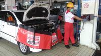 Auto2000 memiliki fasiloitas uji emisi mandiri. (Auto2000)
