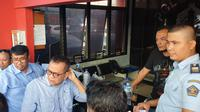 Sejumlah massa pendukung capres-cawapres nomor urut 02 Prabowo Subianto-Sandiaga Uno menyambangi Rutan Cipinang, Jakarta Timur.