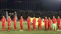 Pelatih Indra Sjafri mengakui melakukan perjudian dengan merotasi 2 bek tengah Timnas Indonesia U-22 pada laga melawan Kamboja U-22. (Bola.com/Zulfirdaus Harahap)