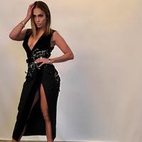 Jennifer Lopez pun memberikan semangat untuk para korban pelecehan seksual lainnya dengan gerakan Me Too dan Times Up. (instagram/JLo)