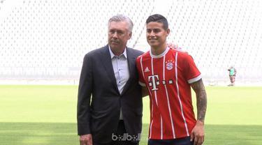 Berita video sesi foto James Rodriguez di Allianz Arena setelah tandatangan kontrak. This video presented by BallBall.