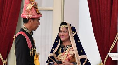 Jokowi pakaian adat aceh
