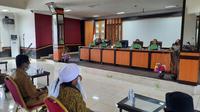 Pemkab Pasangkayu saat rakor bersama membahas penanganan Covid-19 (Liputan6.com/Abdul Rajab Umar)