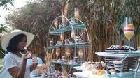 Beragam jenis mousse cake dibuat khusus untuk wilayah tropis disajikan Hotel Aston Cirebon. Foto (Liputan6.com / Panji Prayitno)