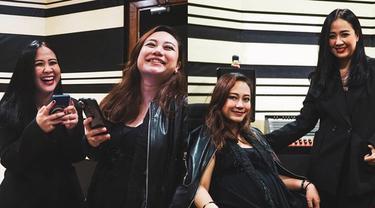 Jadi Vokali Cokelat Band, Ini 6 Kebersamaan Astrid dan Ayu Ratna