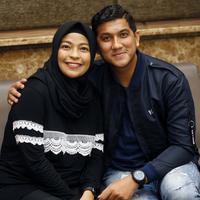Tantri dan Ardi konferens pers setelah kelahiran anak kedua di Rumah Sakit Mayapada, Lebak Bulus, Jakarta Selatan, Sabtu (22/2/2020). (Adrian Putra/Fimela.com)