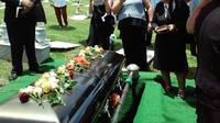 Ilustrasi prosesi pemakaman. (dok. unsplash.com/20164rhodi)