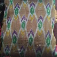 Kain tenun Sengkang asal Sulawesi Selatan yang mendadak jadi tren (Foto: instagram/sumakassar)