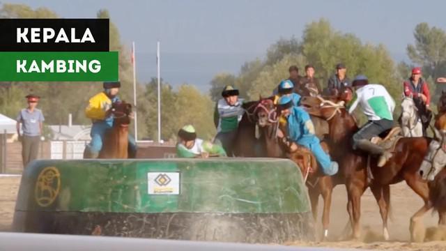 Berita video sebuah olahraga unik dan brutal, Kok-boru, yaitu berebut kepala kambing dari atas kuda dipertandingkan secara internasional di Kyrgyzstan.