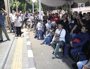 Sekjen PDIP Sambangi Buka Puasa Bersama Pewarta Foto di Bumdaran HI