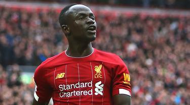 Kemampuan Mane dalam di lini sayap Liverpool terbilang sangat apik. Pemain asal Senegal ini mempunyai fisik yang kuat, hebat di udara, handal menekan barisan lawan dan mampu mencetak gol dari kedua kakinya. (AFP/Geoff Caddick)
