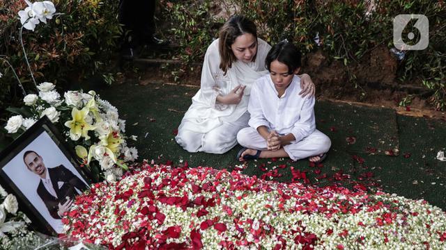Masih Berduka Ashraf Sinclair Meninggal, BCL Tak Akan Tampil di Love Fest 2020