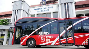 Pemkot Surabaya baru saja mendatangkan delapan armada bus canggih yang bernama Suroboyo Bus.