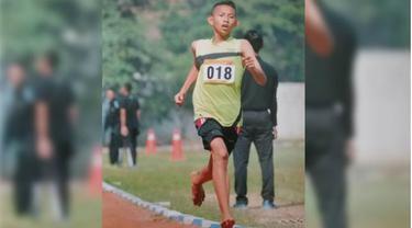 Luar Biasa, Rizal Juara Satu Meski Lari Tanpa Sepatu