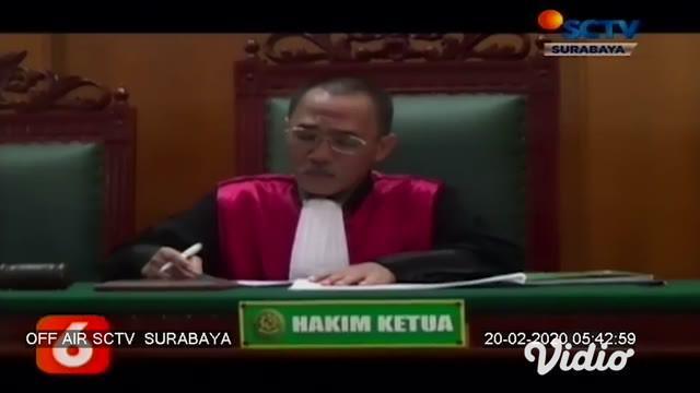 Seorang warga Surabaya mengajukan penggantian status jenis kelamin beserta nama lengkap kepada Pengadilan Negeri Surabaya yang berujung pengabulan.